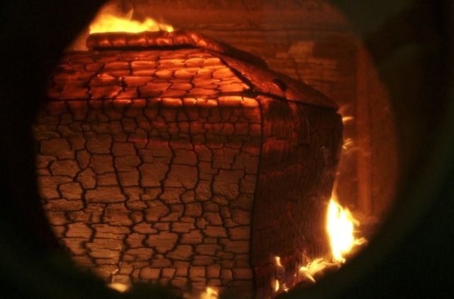 Cremation-oven