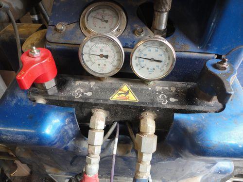 pressure gauges on REACTOR component proportioner,